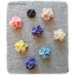 trio of flowers pins