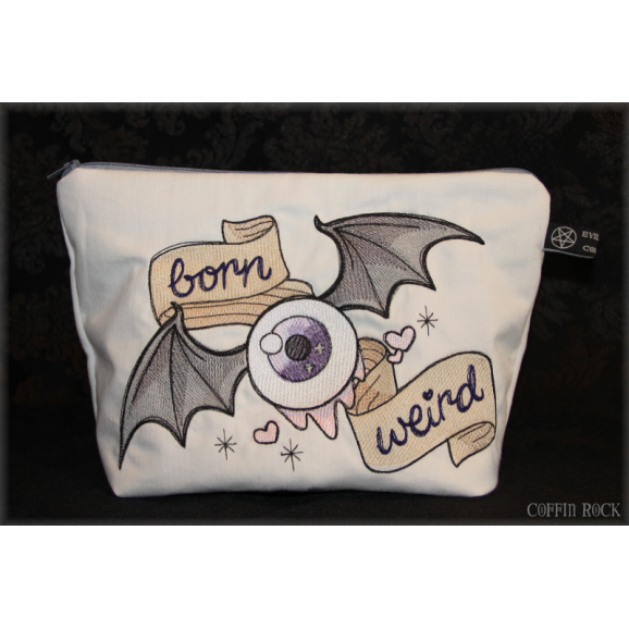 "Trousse brodée ""born weird"""