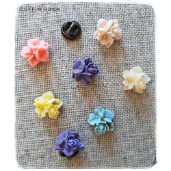 trio of flowers pins