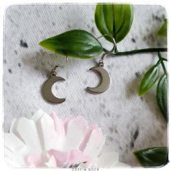 small moon earrings