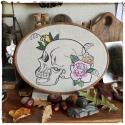 cadre brodé crâne